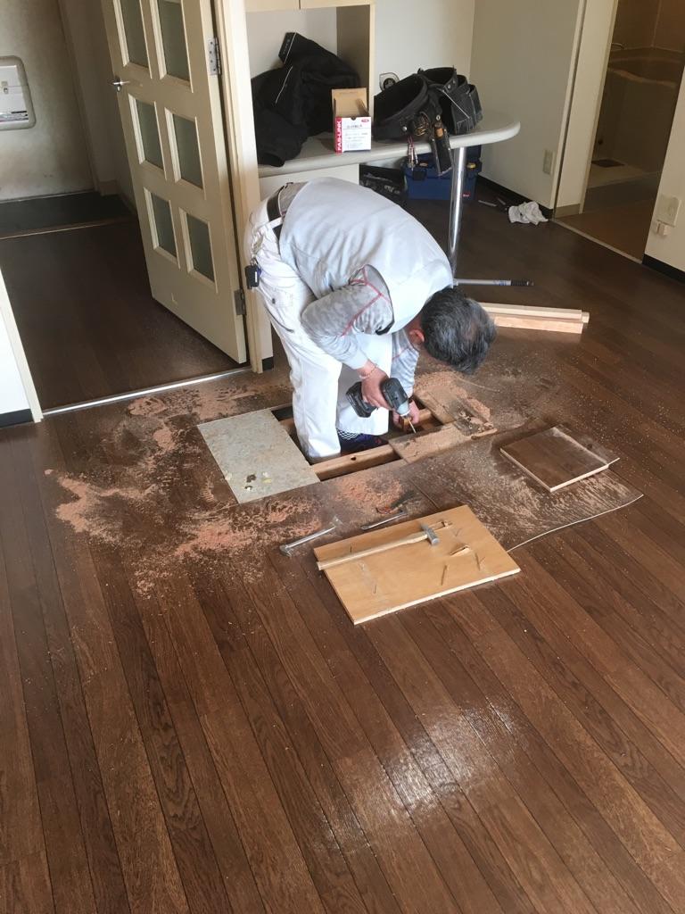 床鳴り補修 施工中