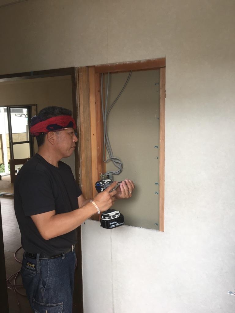 壁補修 施工中